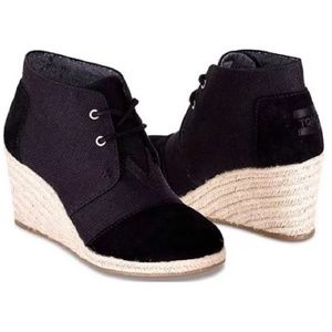 Toms Black Desert Wedge Ankle Boots 6.5
